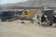 Fruit vendors near the highway in Qalat